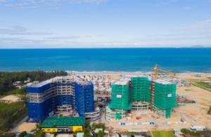 Các dự án bất động sản ven biển hạn chế được ảnh hưởng bởi mưa bão nhờ tuân thủ khoảng lùi 150m